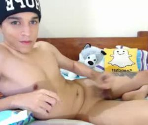 Petite Latino Gay Boy Juan Wanks Off On Cam Show